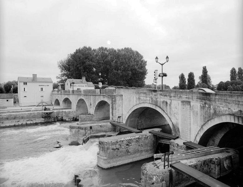 Site d'écluse, barrage et pont de Saint-Aignan (Cher canalisé)