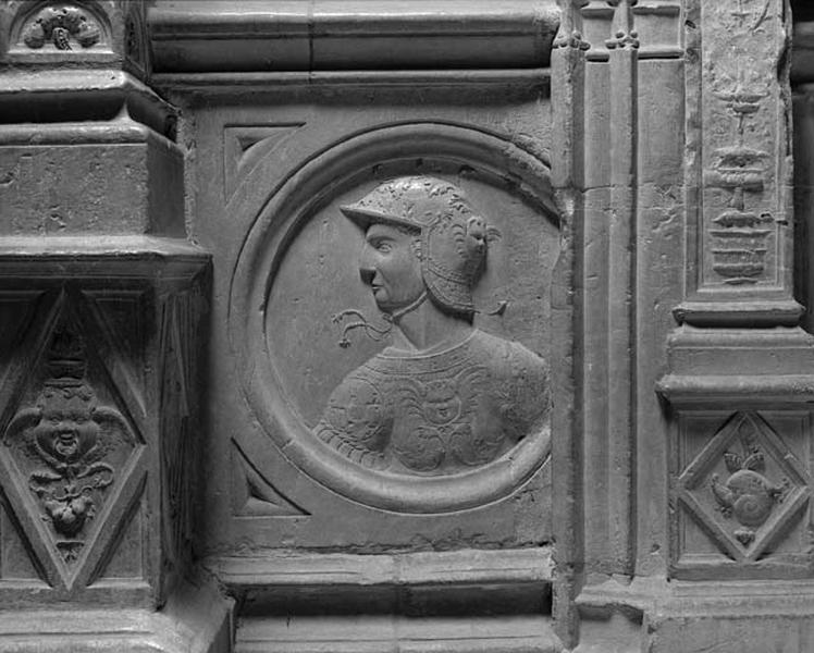 Médaillon : Empereur romain