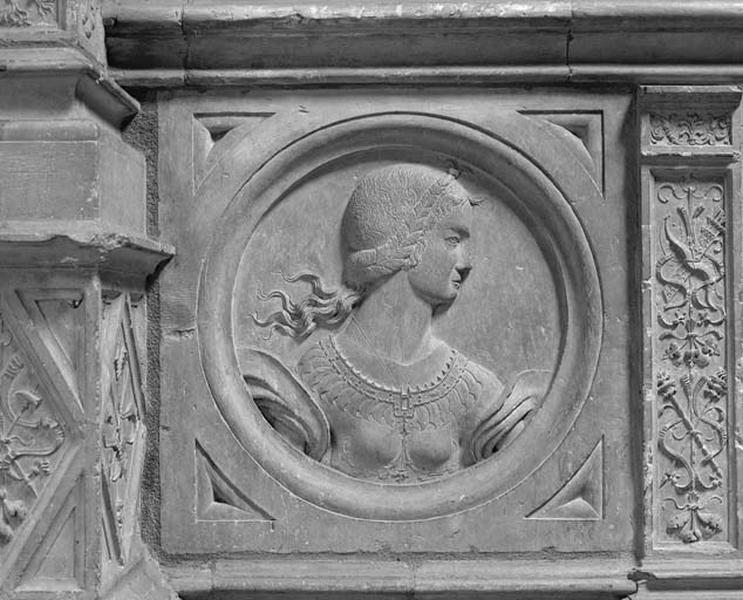 Médaillon : Impératrice romaine