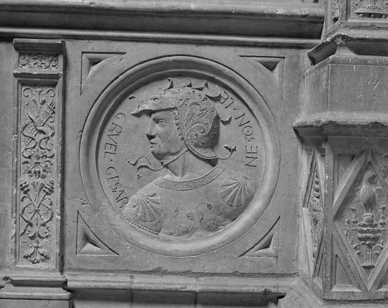 Médaillon : l'empereur Néron
