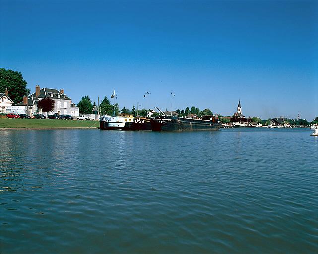 Port (canal latéral à la Loire)