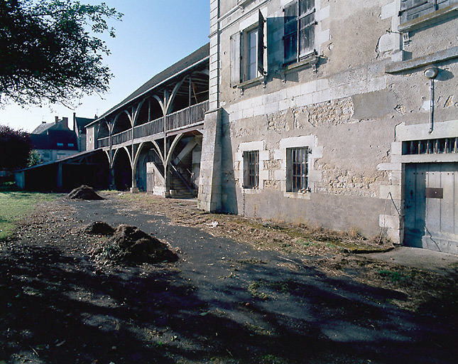 Maison (canal latéral à la Loire)