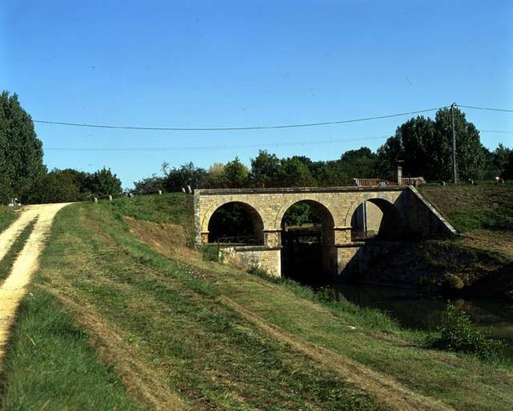 Site d'écluse de la Folie (canal latéral à la Loire)