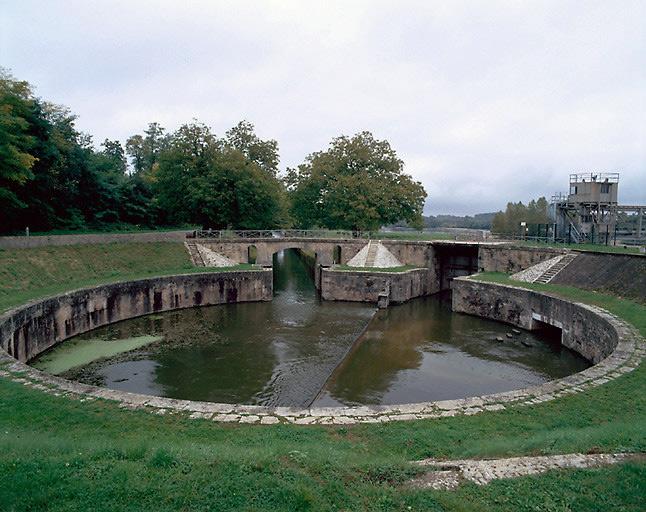 Site d'écluse des Lorrains (canal latéral à la Loire)