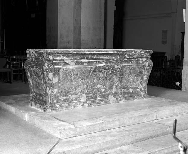 Autel tombeau du maître-autel