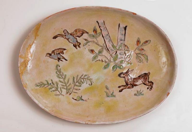 plat décoratif : décor animalier de Sologne