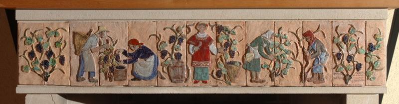 trumeau de cheminée : saint Vincent et les travaux de la vigne