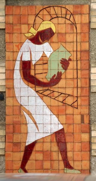 ensemble de 3 panneaux muraux : potière enfournant un pot, tourneur dans son atelier, ornementation champêtre