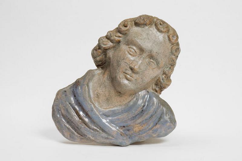 2 bas-reliefs : tête d'ange ; buste d'ange