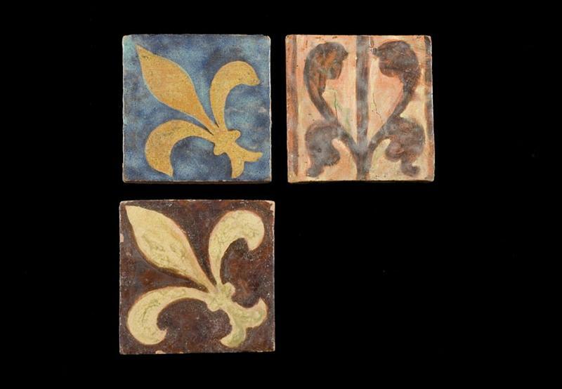 ensemble de 3 carreaux : iris et fleur de lis