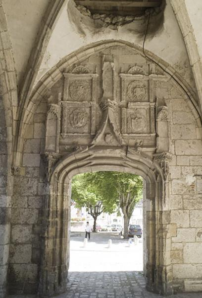 Église paroissiale Saint-Firmin