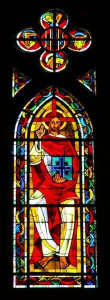 Verrière représentant le Christ glorieux