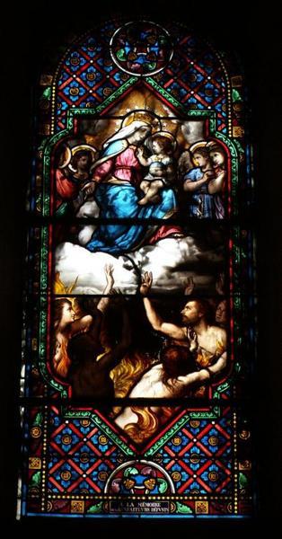 Verrière représentant la Vierge intercédant en faveur des défunts