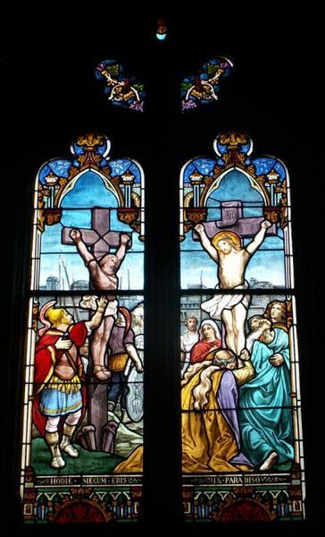 2 verrières figurant le Baptême du Christ et la Crucifixion