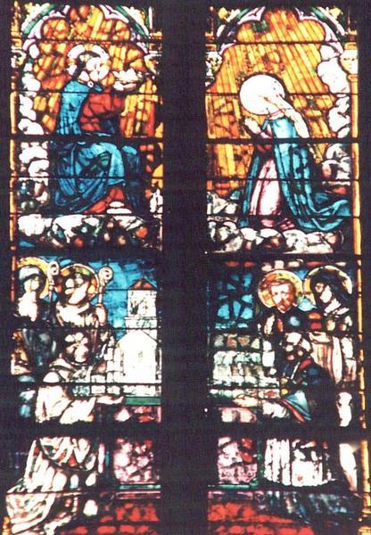 Verrière représentant le Manteau de Miséricorde de Marie