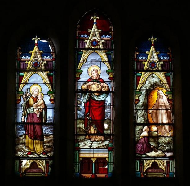 3 verrières figurant le Sacré-Coeur de Jésus, saint Joseph et Notre-Dame de Lourdes