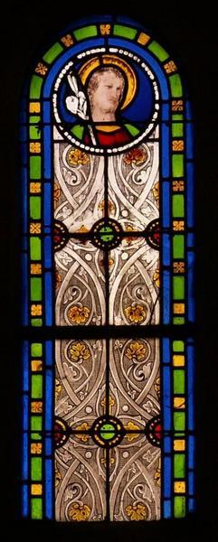 2 verrières représentant saint Joseph et le Saint Coeur de Marie