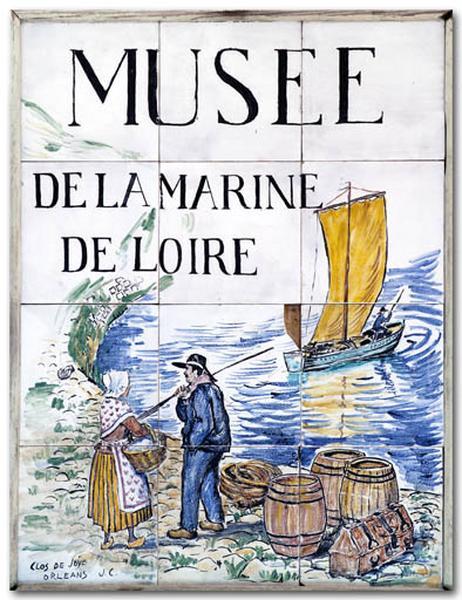 plaque du musée : bord de Loire