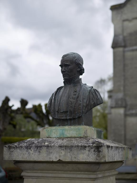 Brèches : buste d'Alfred Velpeau