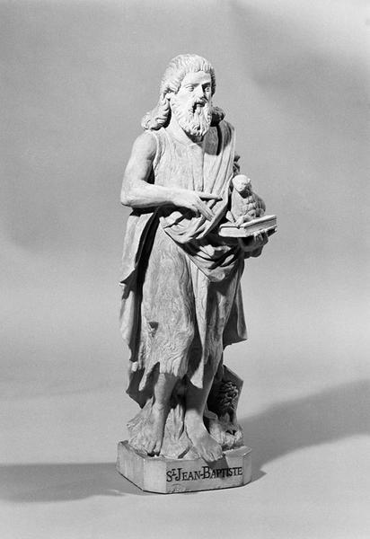 ensemble de 2 statuettes : saint Jean-Baptiste, saint Célerin