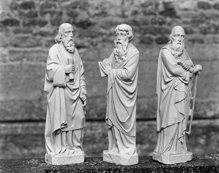 3 statuettes : les quatre prophètes