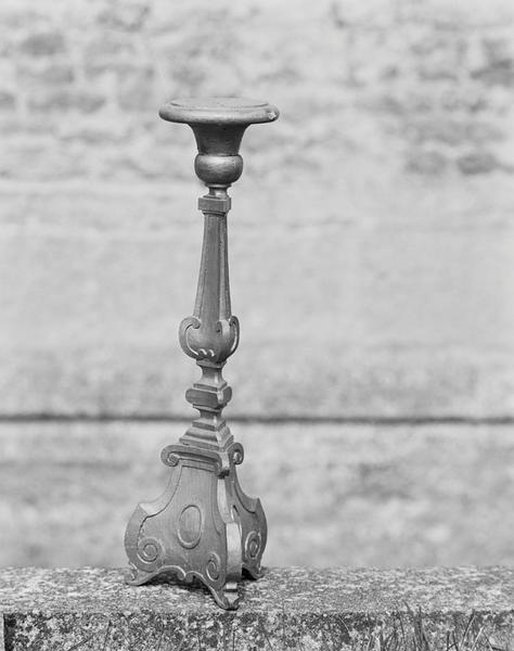 ensemble de 3 chandeliers (garniture d'autel)