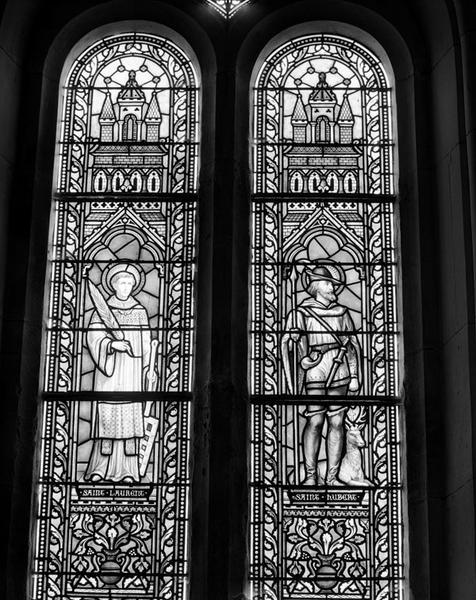 Ensemble de 4 verrières figurées : Assomption ; Remise des clés ; Saint Laurent et saint Hubert ; Apparition du Sacré-Coeur