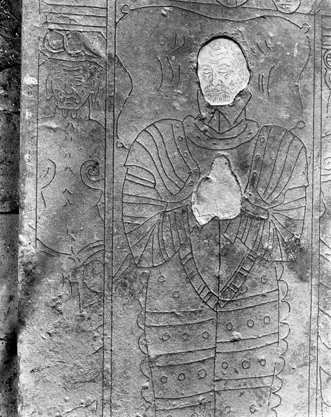 dalle funéraire de Charles de Lalongny