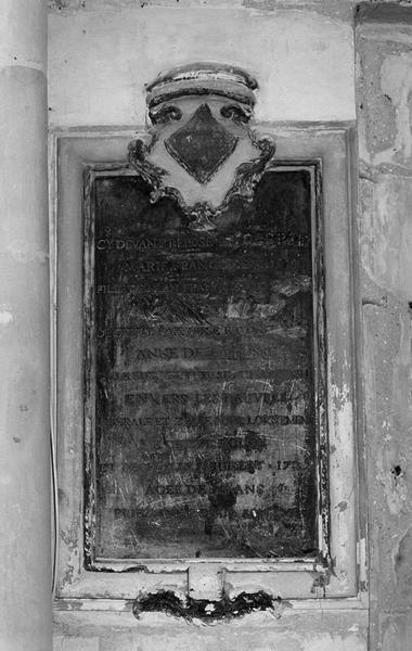 Plaque funéraire de marie Françoise Hue