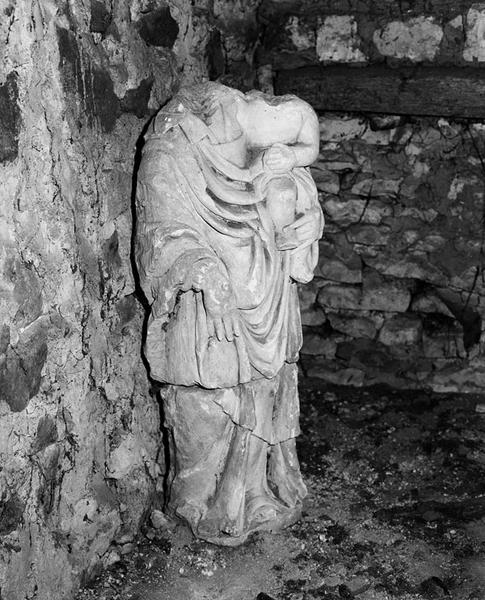 3 statues : Vierge à l'Enfant, saint Jacques, saint prêtre