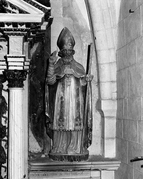 2 statues : saint Martin, saint Lô