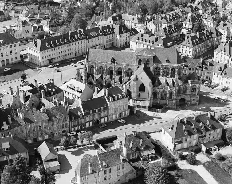 Eglise paroissiale Sainte-Trinité, Toussaints