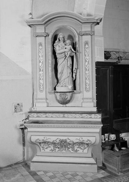 2 autels et retables, statue (autel secondaire de la Vierge)