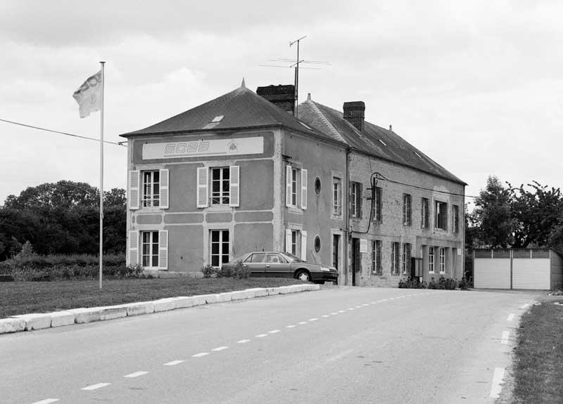 usine de chaux dire Société des produits chimiques d'Ecouché, puis Société des chaux et engrais d'Ecouché