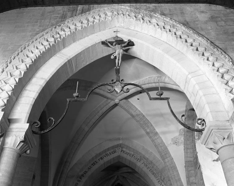 Poutre de gloire : Christ en croix