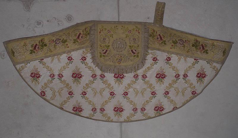 3 chapes de Chantre (ornement blanc)