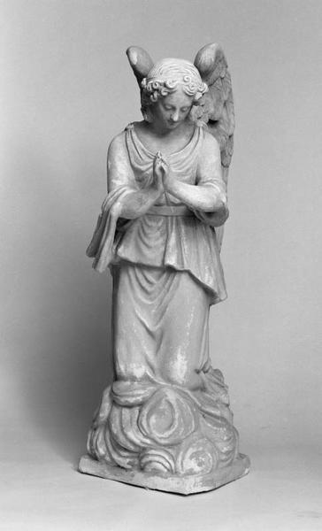 2 statues (en pendant) : anges adorateurs