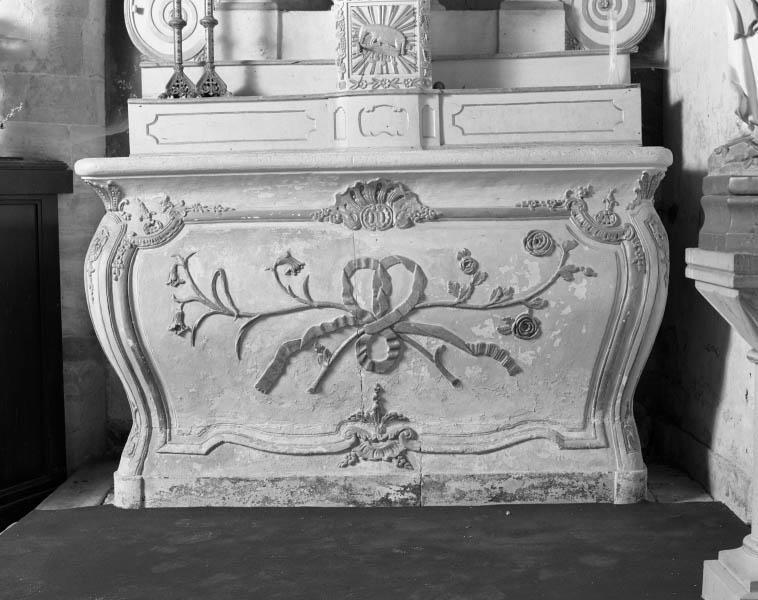 2 autels et retables (autels secondaires de la Vierge et de saint Joseph)