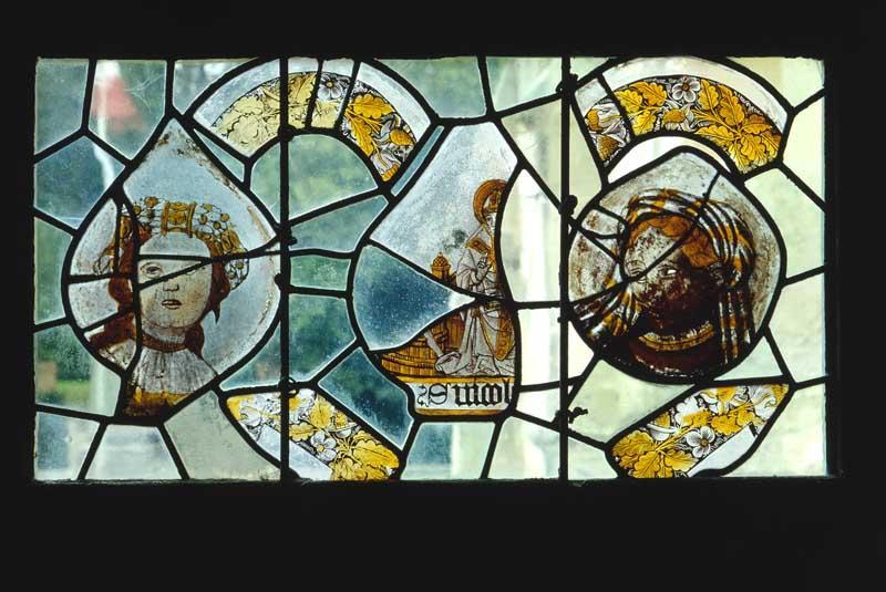 verrière (décorative ; à personnages) : Deux saintes, Saint Nicolas