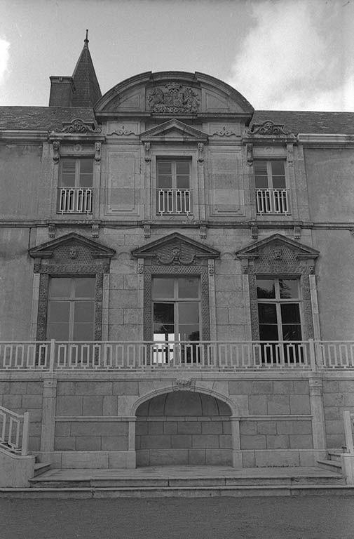Ancien château, actuellement centre d'éducation spécialisé