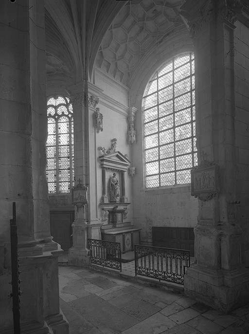 Autel, retable (autel secondaire, autel tombeau, tabernacle à ailes, retable architecturé) : de saint Joseph