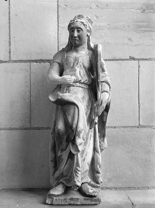 Statue (demi-nature) : sainte (2)