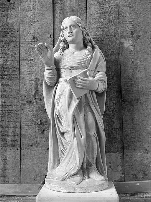 Statue (petite nature) : sainte au livre