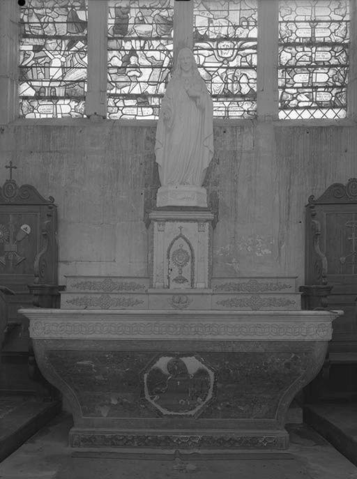 Autel (autel secondaire, autel tombeau)