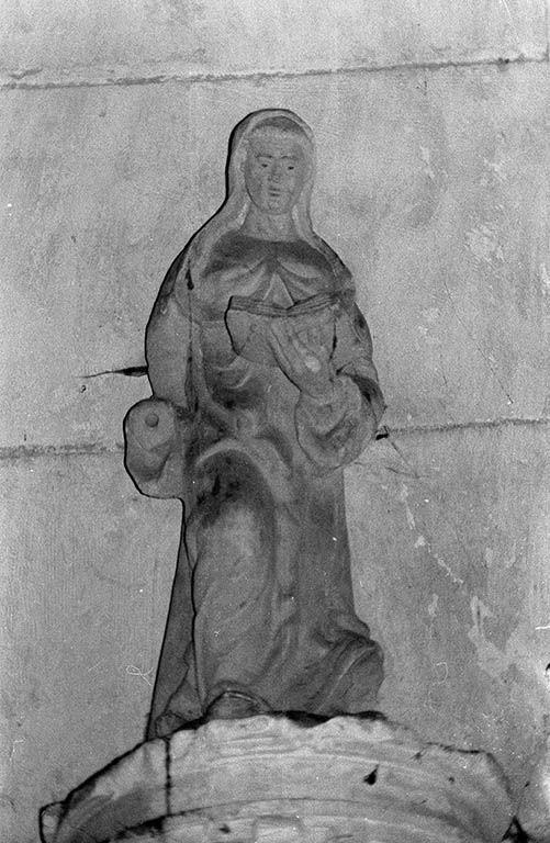 Statue (demi-nature) : sainte (1)