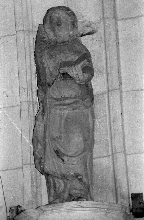 Statue (demi-nature) : sainte martyre