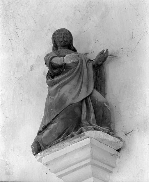 Statuette : Sainte Madeleine (?)