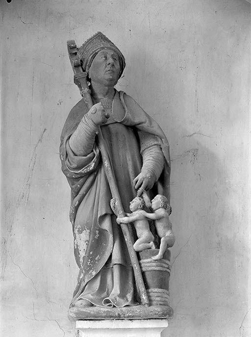 groupe sculpté : saint Nicolas ressuscite les trois petits clercs