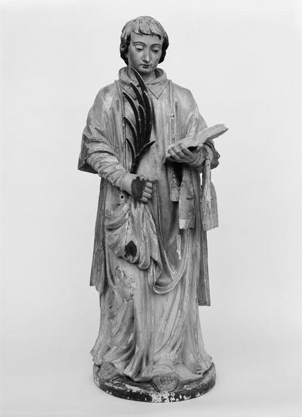 Statue (demi-nature) : saint Etienne