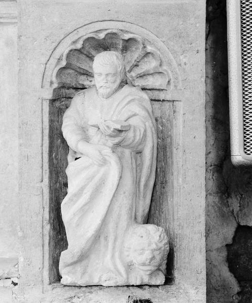 2 groupes sculptés (statuette, en pendant) : saint Marc, saint Matthieu